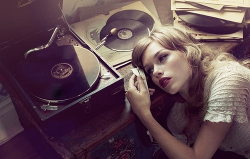 record player girl